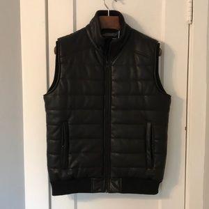 Guess Men's zip front vest.